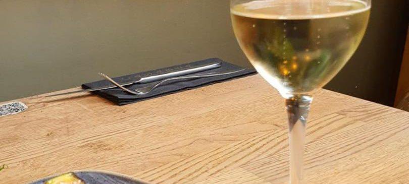 Photo du Dessert et verre de vin